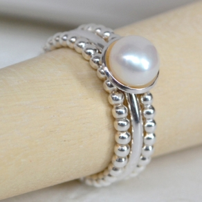 Cupped Pearl and Beaded Ring set by Madeit seller Arita Ghedini